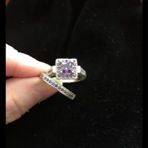 Jewelry - Free w PURCHASE Fun Ring with Vintage style.